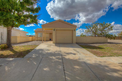 Rio Rancho Single Family Home For Sale: 2119 High Desert Court NE
