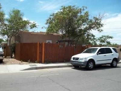 Albuquerque Single Family Home For Sale: 714 Stover Avenue SW