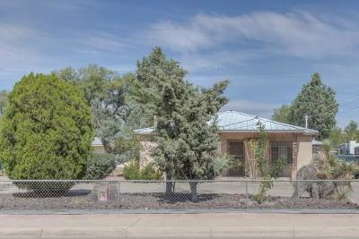 Albuquerque Single Family Home For Sale: 1705 Candelaria Road NW