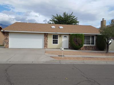 Albuquerque Single Family Home For Sale: 7716 Callow Street NE