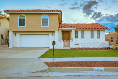 Single Family Home For Sale: 12912 Calle De Sandias NE