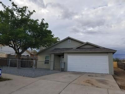 Albuquerque Single Family Home For Sale: 10609 Guadiana Place SW