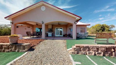 Valencia County Single Family Home For Sale: 1 Tres Ninas NE