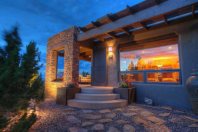 Placitas Single Family Home For Sale: 52 La Puerta Trail