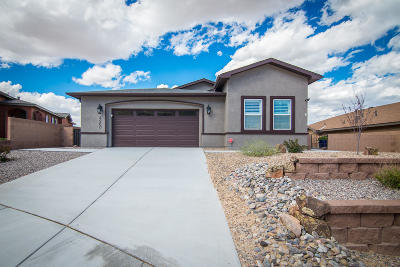 Los Lunas Single Family Home For Sale: 4260 Agave Court SW