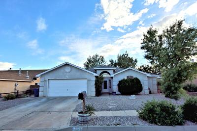 Los Lunas Single Family Home For Sale: 2231 Lonestar Street