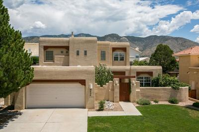 Single Family Home For Sale: 5404 Camino Arbustos NE