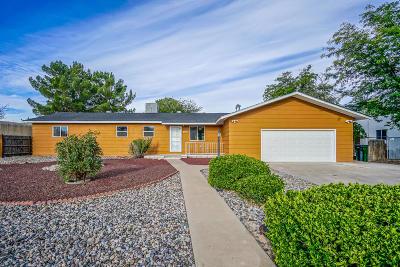 Rio Rancho Single Family Home For Sale: 303 Las Marias Drive SE
