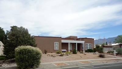 Single Family Home For Sale: 8405 Cherry Hills Drive NE