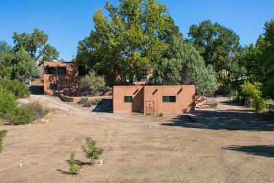 Santa Fe County Single Family Home For Sale: 1515 Nm 76