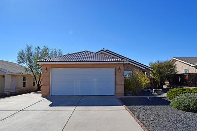 Los Lunas Single Family Home For Sale: 3 Sheba Place
