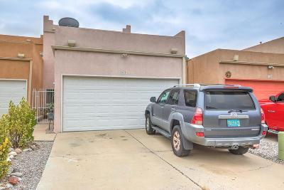 Albuquerque Attached For Sale: 9712 Lagrima De Oro Road
