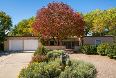 Albuquerque Single Family Home For Sale: 3212 Calle De Laura NW