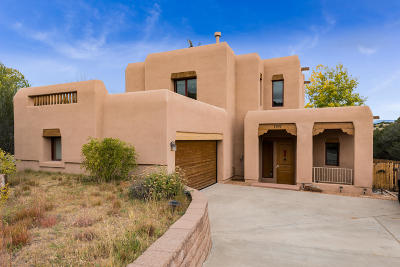 Santa Fe County Single Family Home For Sale: 1747 Ridge Pointe Loop