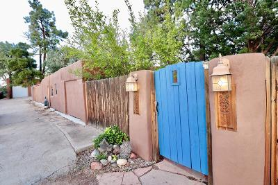 Albuquerque Single Family Home For Sale: 1715 Candelaria Road NW