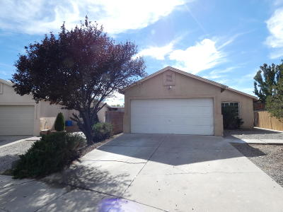 Albuquerque NM Single Family Home For Sale: $99,000
