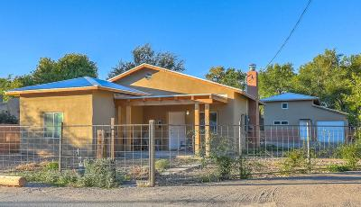 Albuquerque Single Family Home For Sale: 2913 Camilo Lane NW