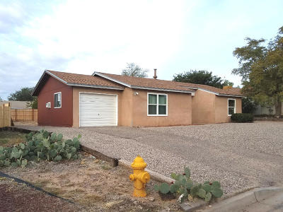 Rio Rancho Single Family Home For Sale: 1800 Celina Road SE