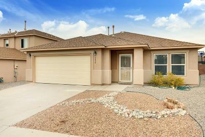 Bernalillo County Single Family Home For Sale: 7616 Briar Ridge Avenue NW