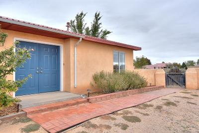 Corrales Single Family Home For Sale: 605 Camino De La Tierra