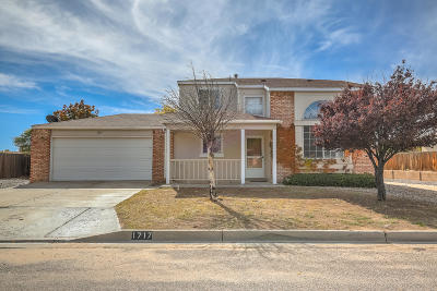 Rio Rancho Single Family Home For Sale: 1717 Blueberry Drive NE