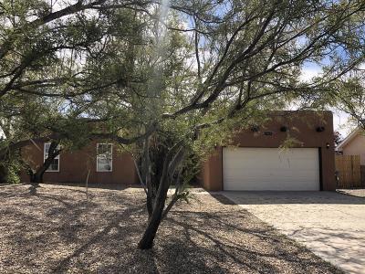 Valencia County Single Family Home For Sale: 61 Milton Loop