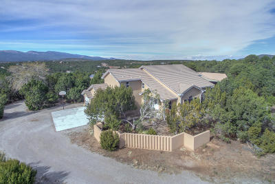 Tijeras, Cedar Crest, Sandia Park, Edgewood, Moriarty, Stanley Single Family Home For Sale: 11 McCall Place