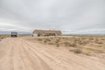 Valencia County Single Family Home For Sale: 22 Recato Loop