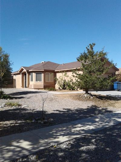 Albuquerque NM Single Family Home For Sale: $129,000