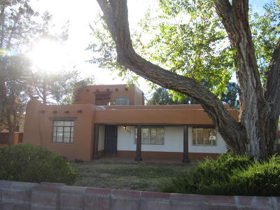 Albuquerque Single Family Home For Sale: 135 Mesilla Street NE