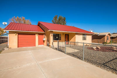 Valencia County Single Family Home For Sale: 450 Calle Don Marcos NE