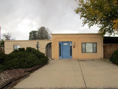Rio Rancho Single Family Home For Sale: 3105 Gay Circle SE
