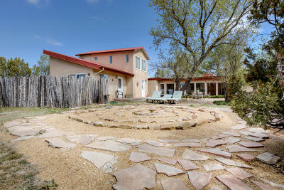 Tijeras, Cedar Crest, Sandia Park, Edgewood, Moriarty, Stanley Single Family Home For Sale: 126 Frost Road