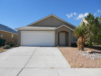 Rio Rancho Single Family Home Active Under Contract - Bank O: 2161 Deer Trail Loop