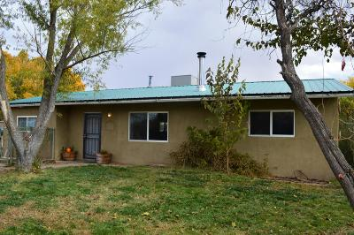 Valencia County Single Family Home For Sale: 15 Yucca Drive