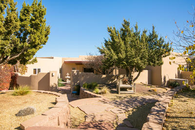 Placitas Single Family Home For Sale: 76 Tierra Madre Road