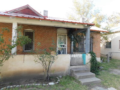 Valencia County Single Family Home For Sale: 401 Second Street