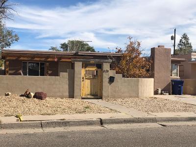 Albuquerque Single Family Home Active Under Contract - Short : 626 Charleston Street NE