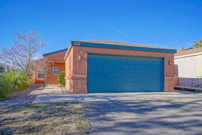 Rio Rancho Single Family Home For Sale: 1633 Perma Drive NE