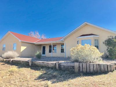Tijeras, Cedar Crest, Sandia Park, Edgewood, Moriarty, Stanley Single Family Home For Sale: 15 Camino Derecho