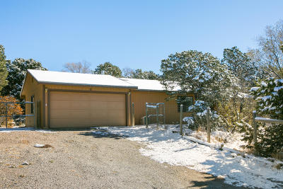 Tijeras Single Family Home For Sale: 12 McCall Lane