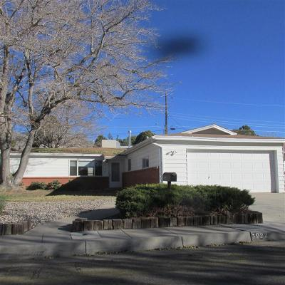 Albuquerque Single Family Home For Sale: 1922 Venus Court NE