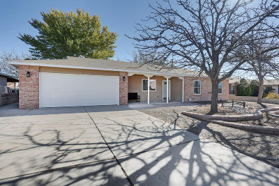 Rio Rancho Single Family Home For Sale: 750 Chaps Road SE