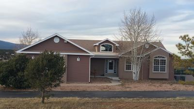 Tijeras, Cedar Crest, Sandia Park, Edgewood, Moriarty, Stanley Single Family Home For Sale: 15 Amy Court