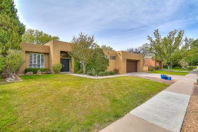 Single Family Home For Sale: 5813 Mahogany Place NE