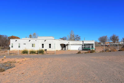 Valencia County Single Family Home Active Under Contract - Short : 3 Loma Codorniz