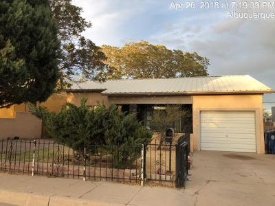 Albuquerque Single Family Home For Sale: 422 57th Street SW