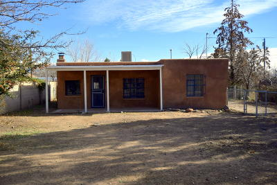 Albuquerque Single Family Home For Sale: 4410 11th Street NW