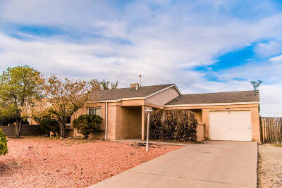 Rio Rancho Single Family Home For Sale: 6409 Goldfinch Way NE