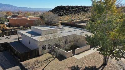 Bernalillo County Multi Family Home For Sale: 2412 Vicic + 7 Houses In Portfolio NW
